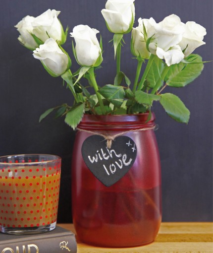 BUNTE GLASFARBE - red-stained-glass-vase-430x510